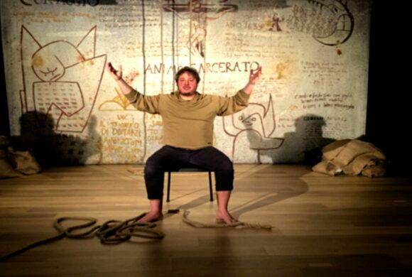 Un passo nell'ombra - Dario Aita_nO (Dance first. Think later) - screenshot di Michele Tomaiuoli