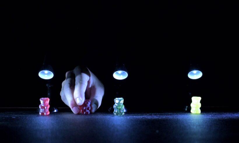 La grande guerra degli Orsetti Gommosi – Batisfera-Leonardo Tomasi | Semifinalista